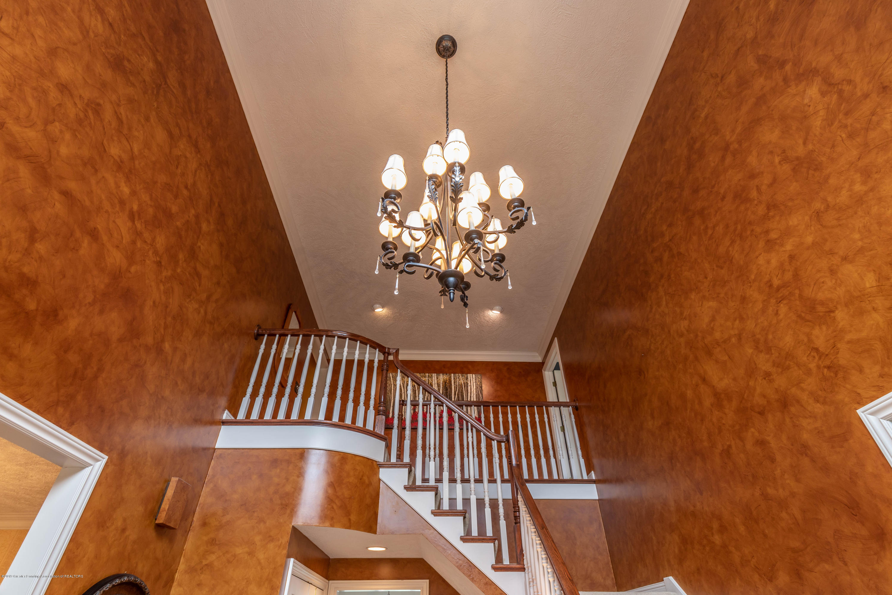 2057 Birch Bluff Dr - 2-story Foyer - 15