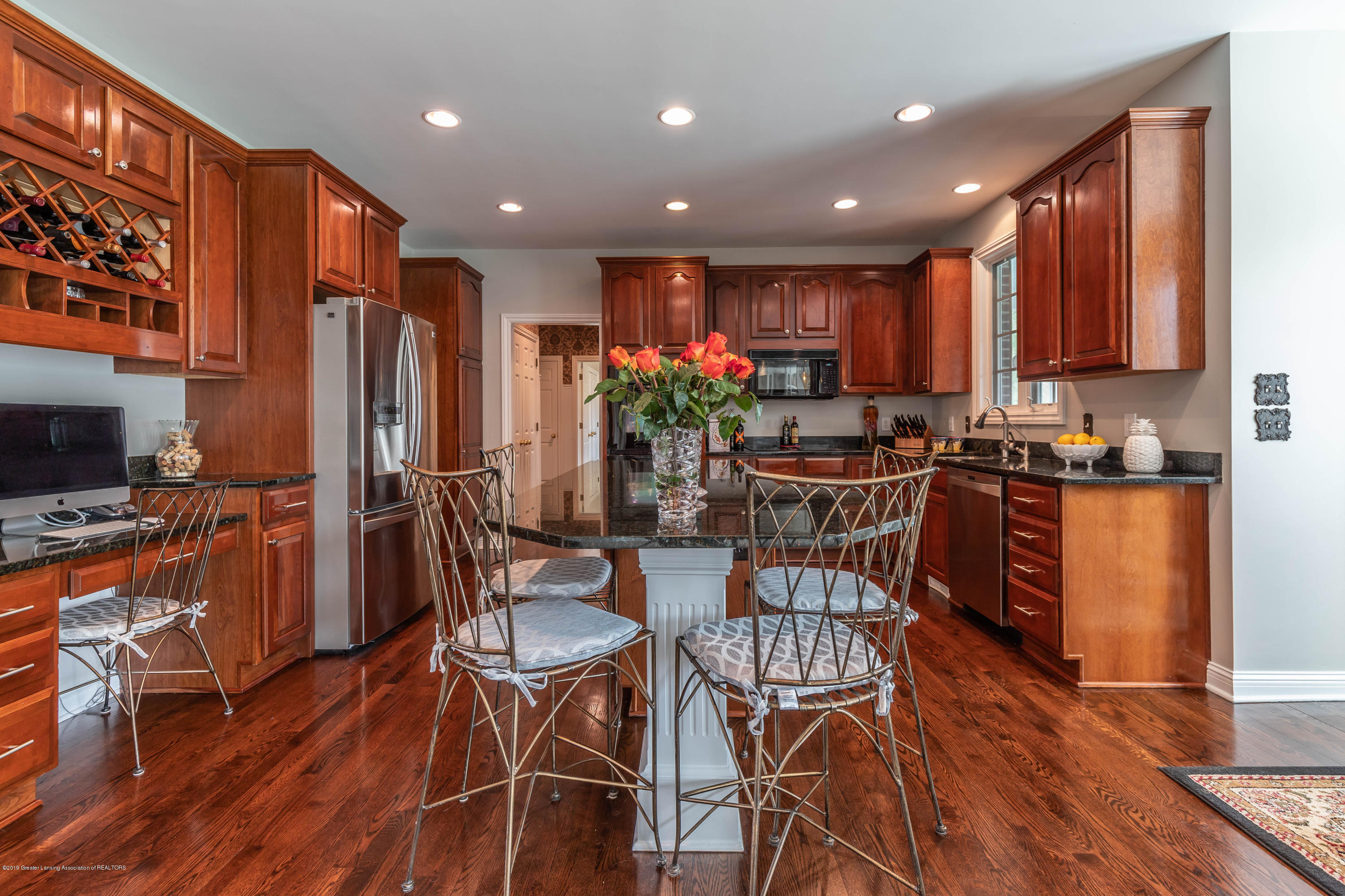 2057 Birch Bluff Dr - Love this kitchen - 24