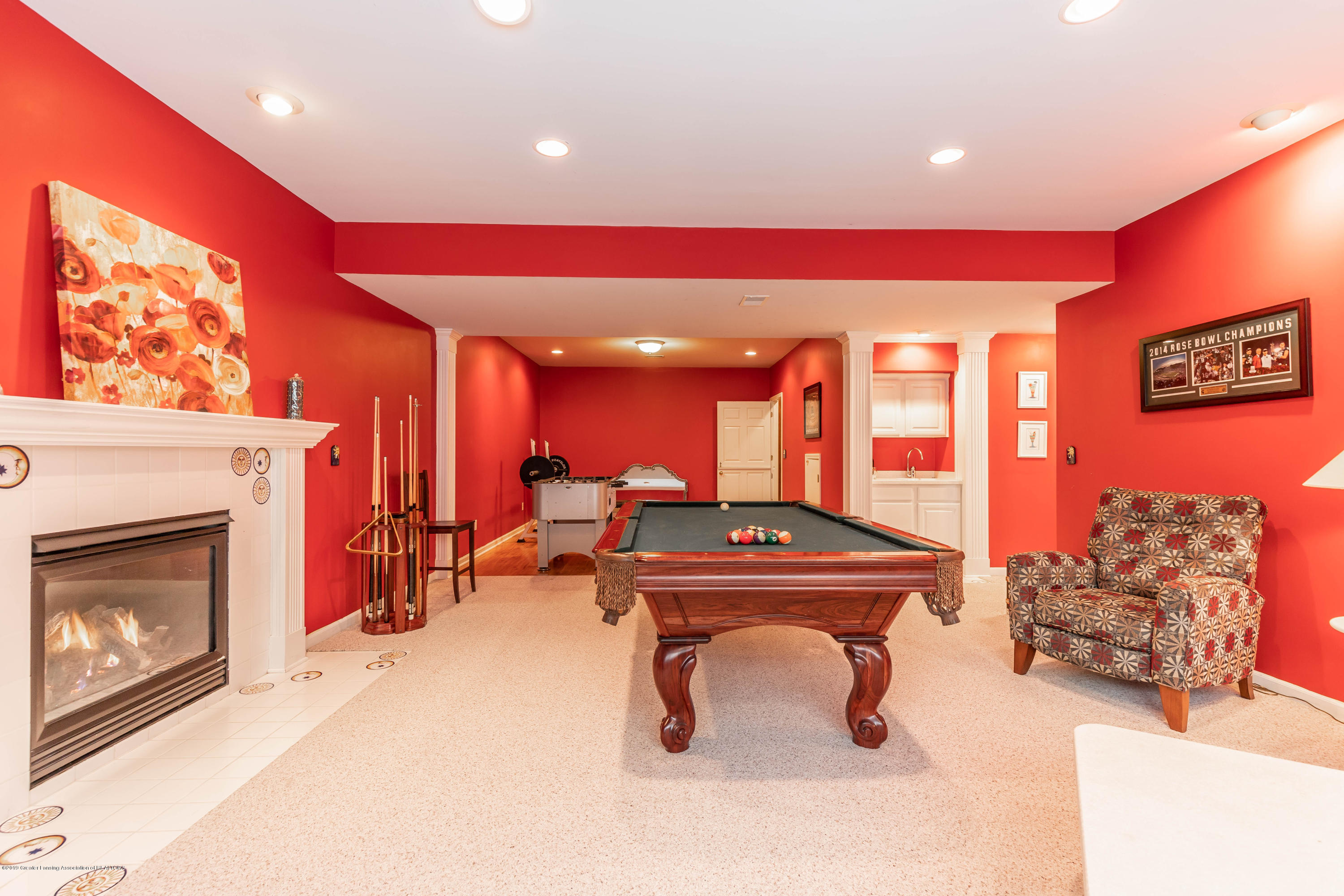 2057 Birch Bluff Dr - LL pool table/gas fireplace - 58