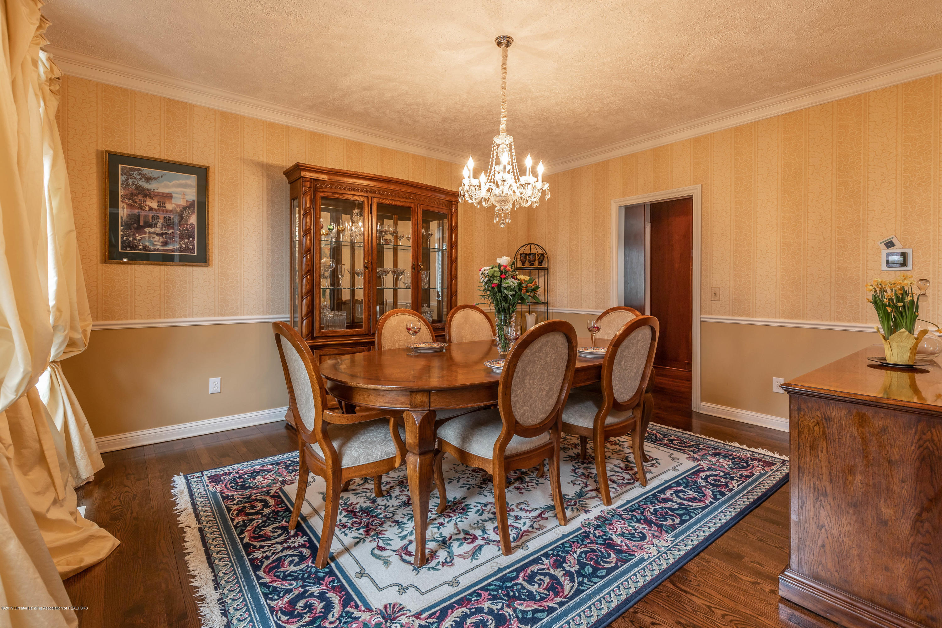 2057 Birch Bluff Dr - Formal dining - 39