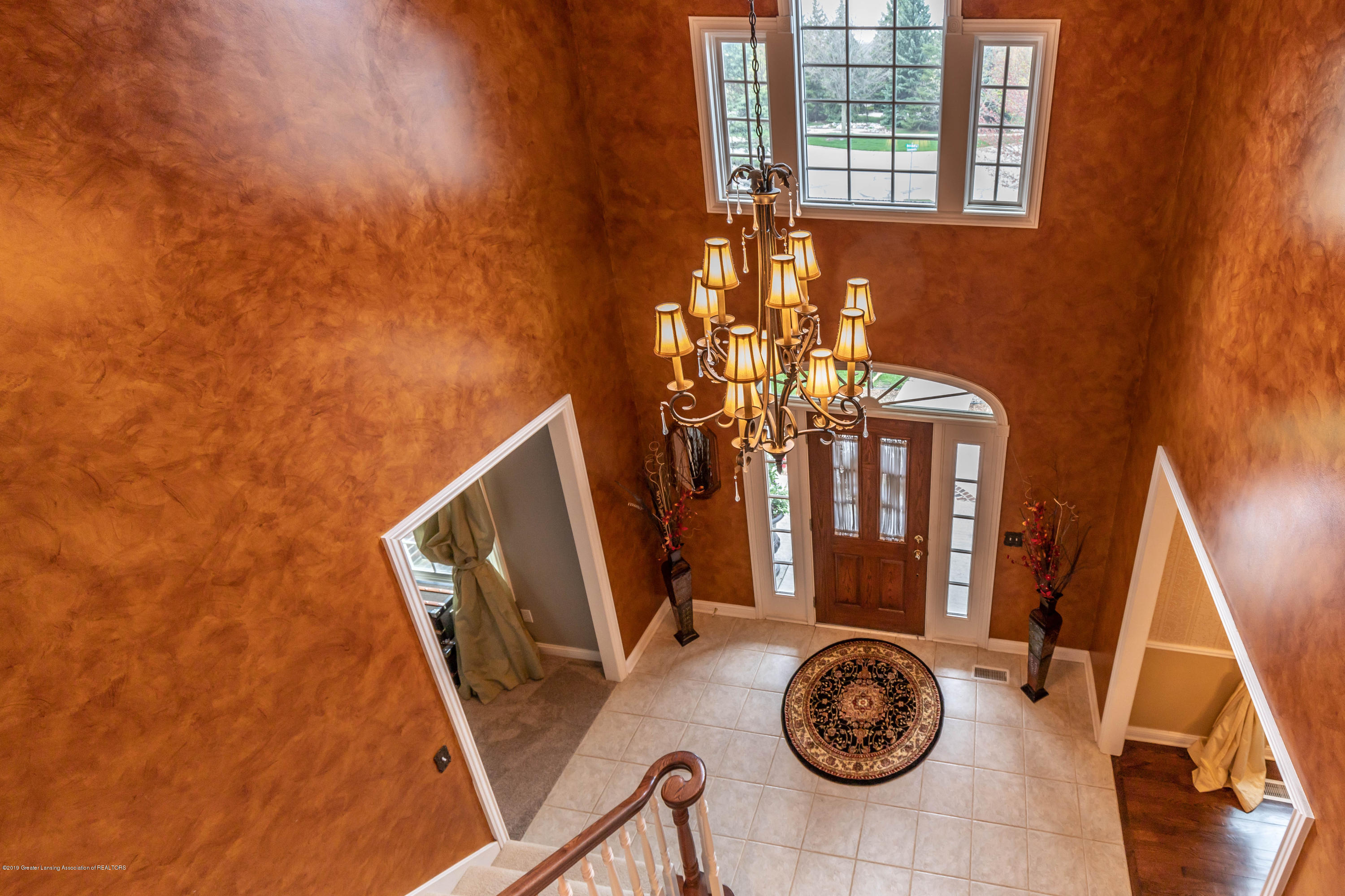 2057 Birch Bluff Dr - top of steps foyer - 13