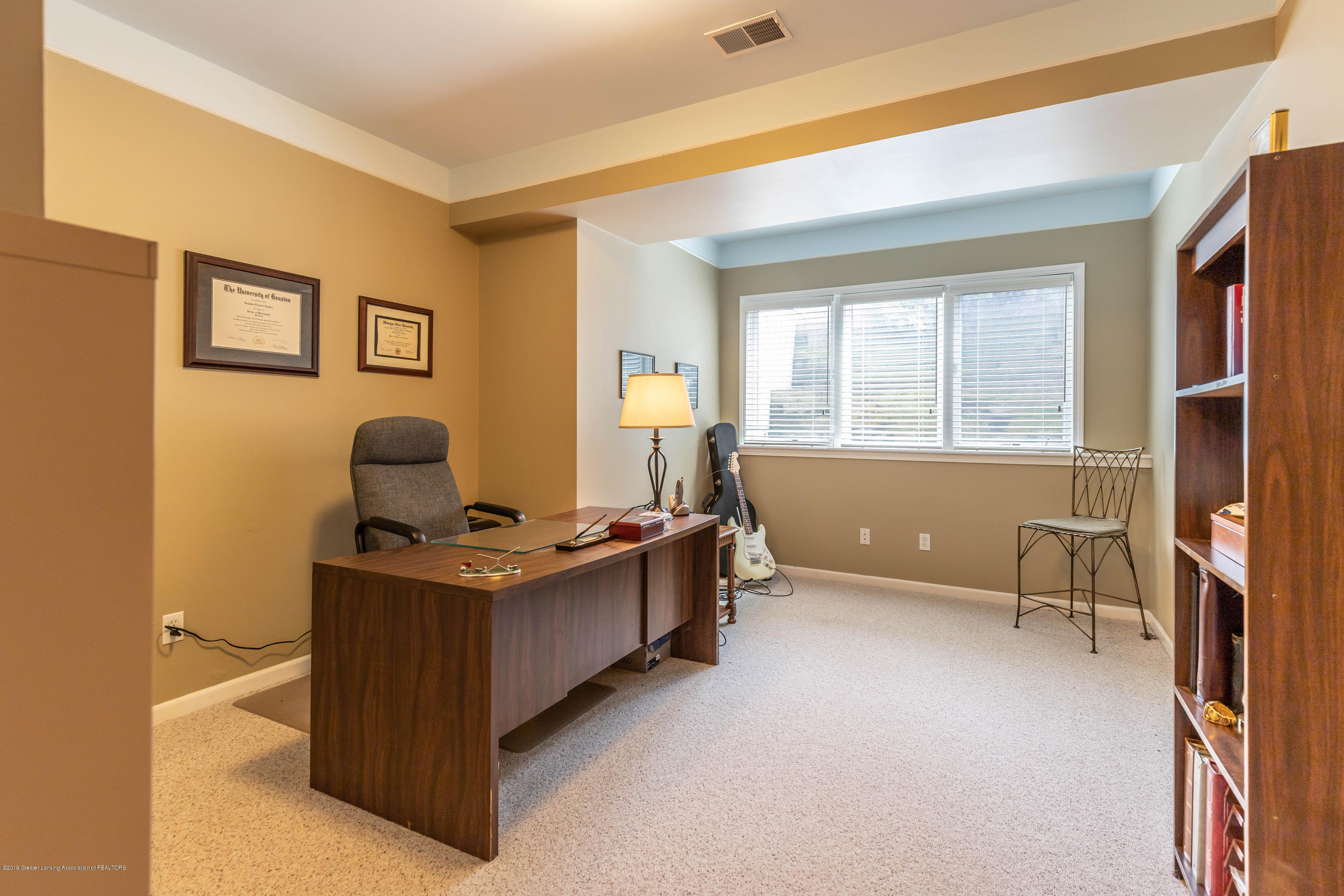 2057 Birch Bluff Dr - LL office/bedroom - 55