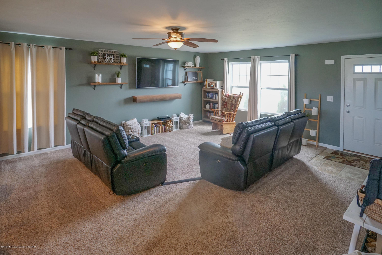 8786 Meadowrue Rd - Living Room - 5