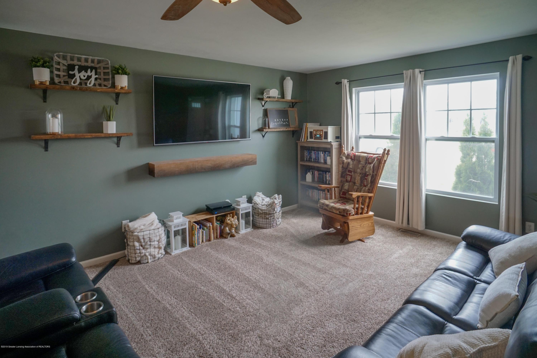 8786 Meadowrue Rd - Living Room - 6