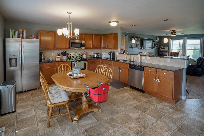 8786 Meadowrue Rd - Kitchen - 7