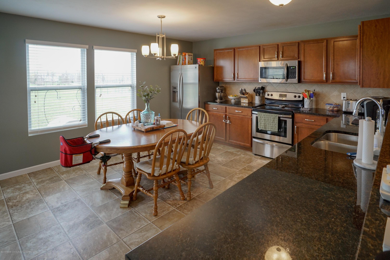 8786 Meadowrue Rd - Kitchen - 8