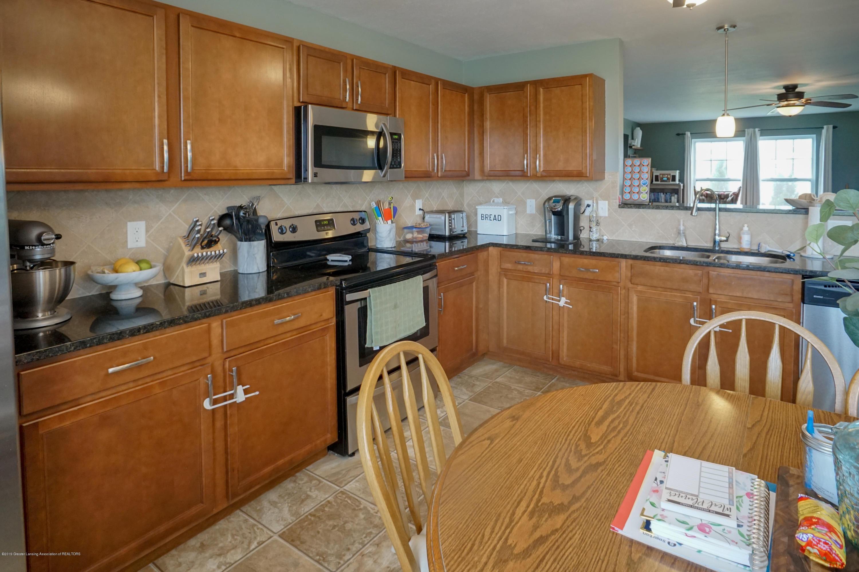 8786 Meadowrue Rd - Kitchen - 9