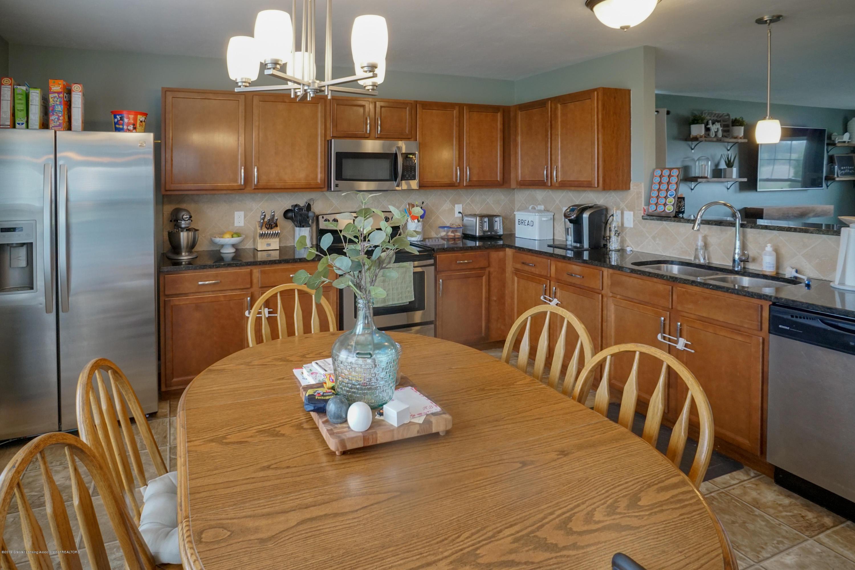 8786 Meadowrue Rd - Kitchen - 10