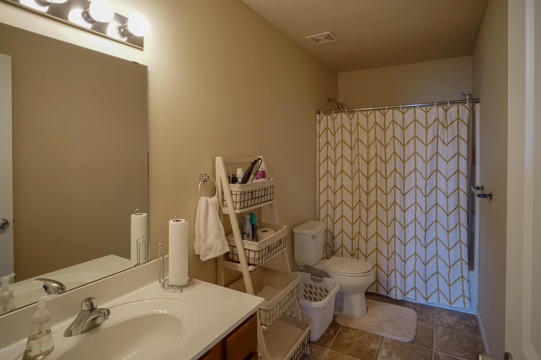 8786 Meadowrue Rd - Full Bath - 23