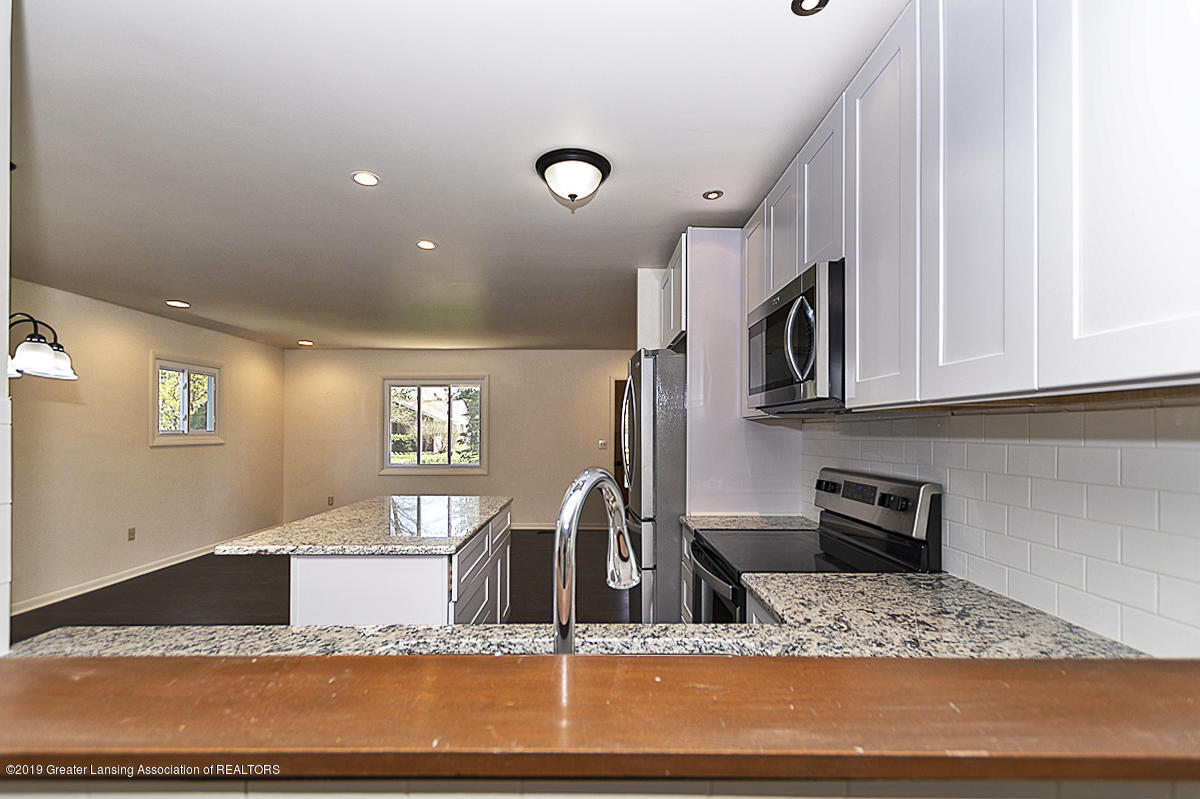516 Kenway Dr - 08 - 8