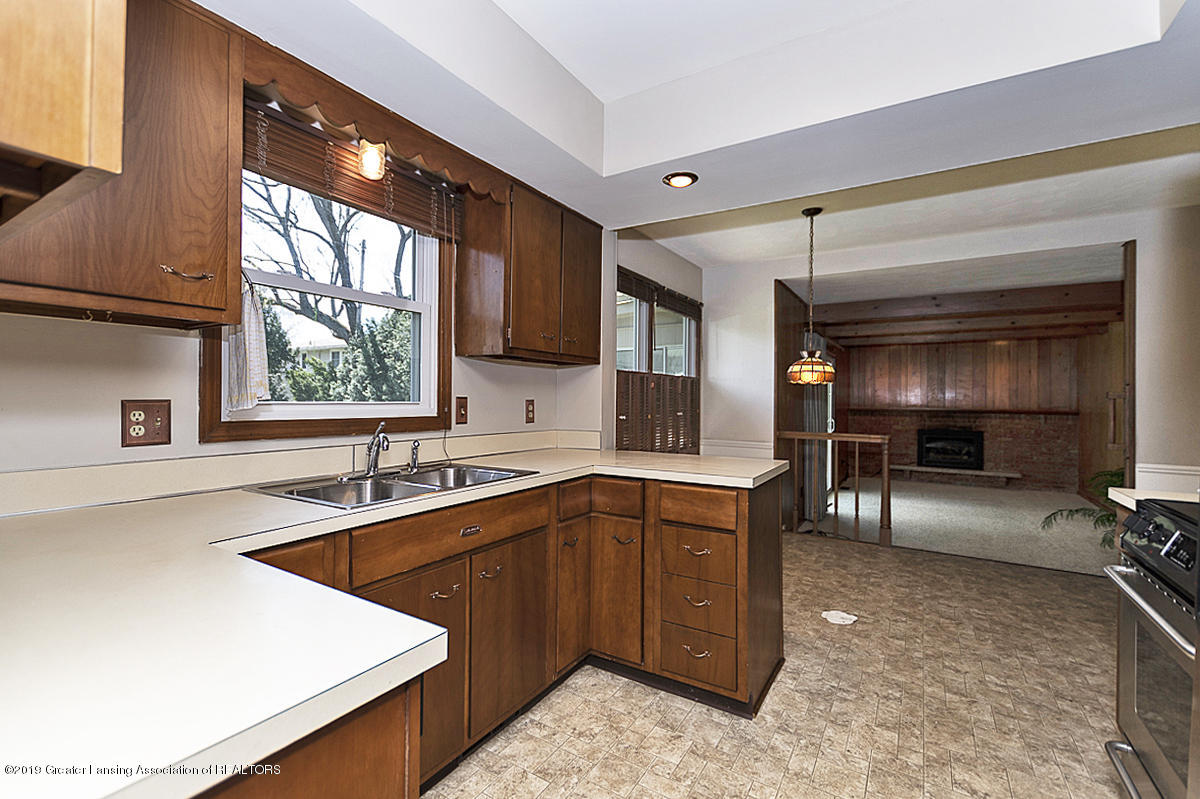 2631 Whistler Dr - Kitchen - 8