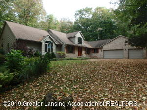 2565 Narrow Lake Road, Charlotte, MI 48813