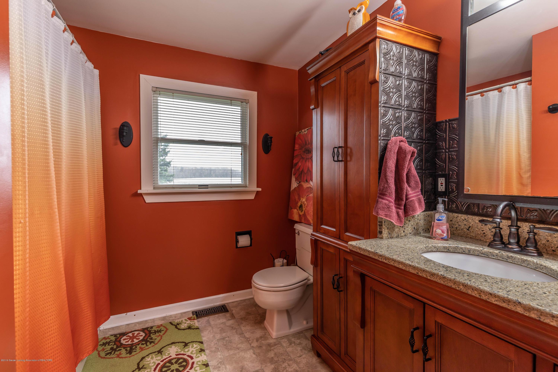 6465 W Maple Rapids Rd - Bathroom 2 - 21