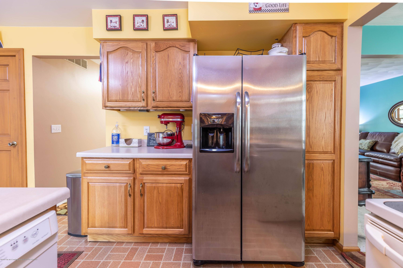 6465 W Maple Rapids Rd - Kitchen - 11