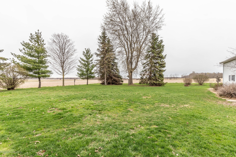 6465 W Maple Rapids Rd - Backyard - 40