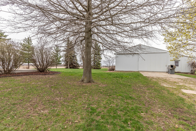 6465 W Maple Rapids Rd - Pole barn - 39