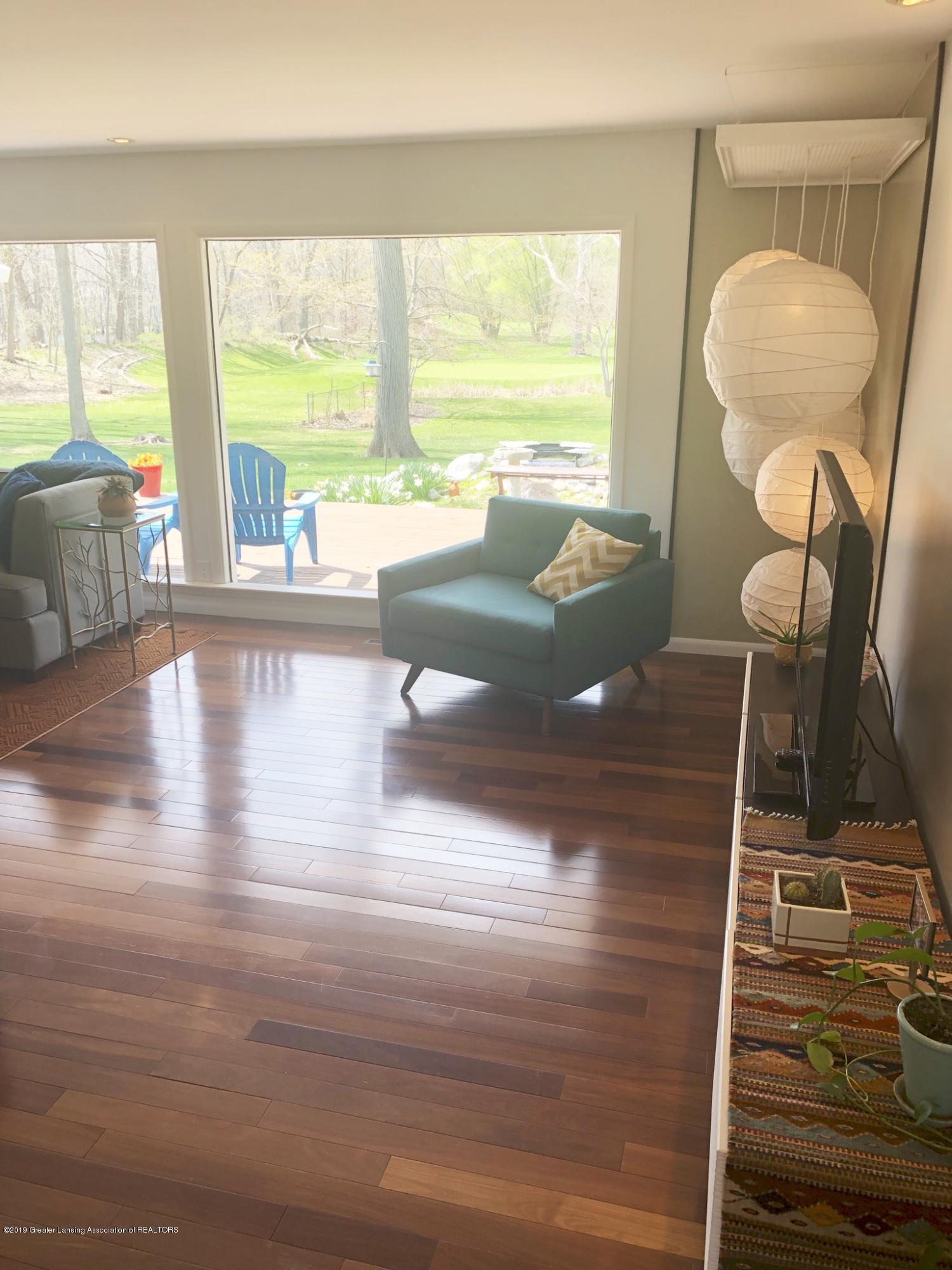 4751 Woodcraft Rd - LIVING ROOM - 3