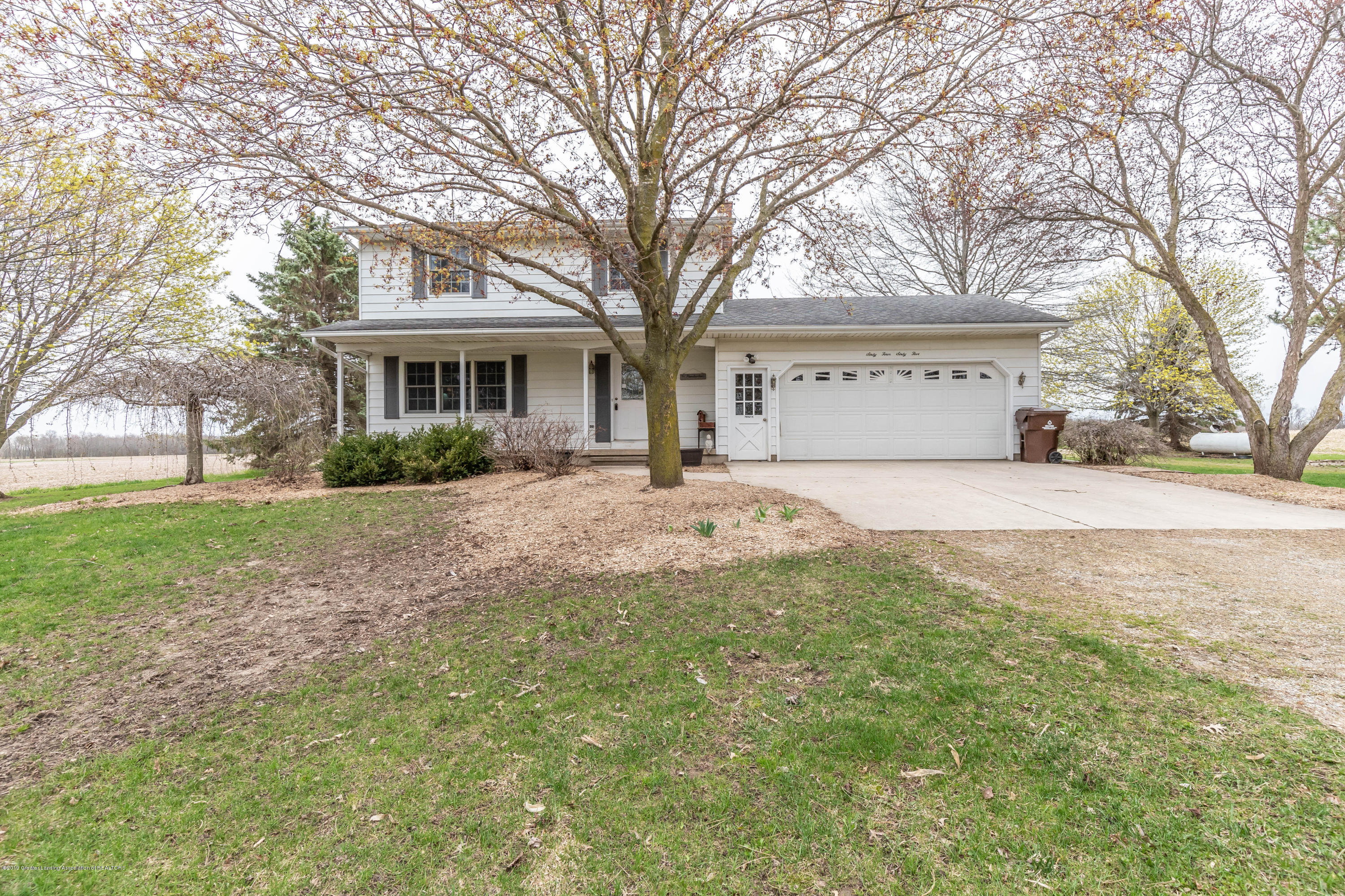 6465 W Maple Rapids Rd - Front - 29