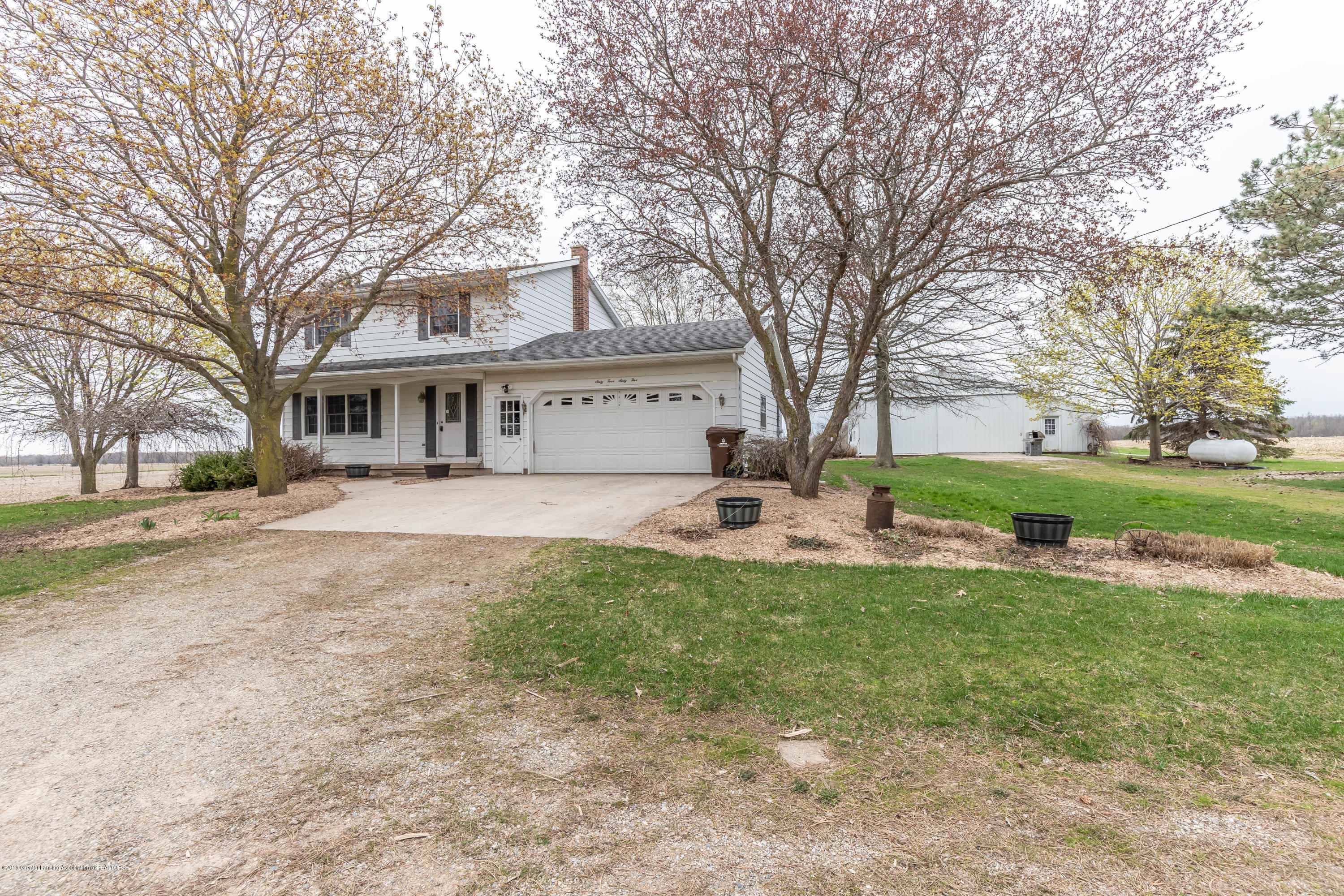 6465 W Maple Rapids Rd - Front - 30