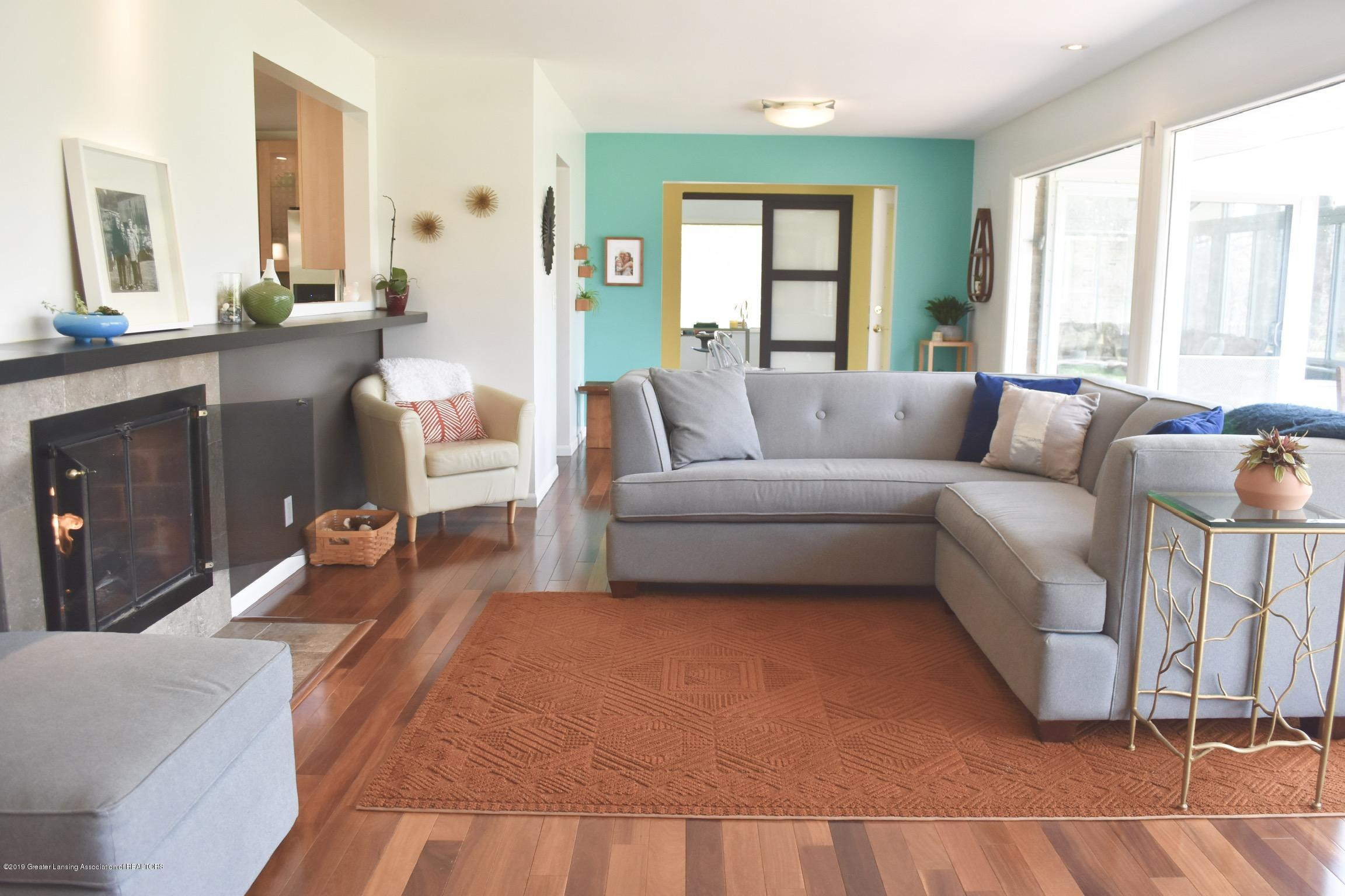 4751 Woodcraft Rd - LIVING ROOM - 5
