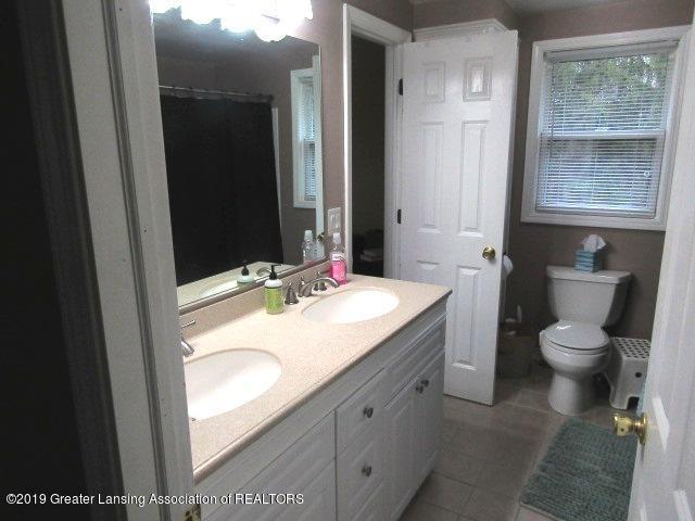 14963 Boichot Rd - Full Bath - 26