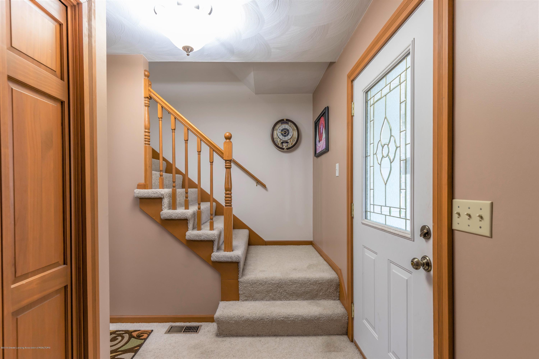6465 W Maple Rapids Rd - Foyer - 5