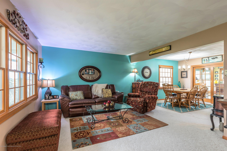 6465 W Maple Rapids Rd - Living room - 6