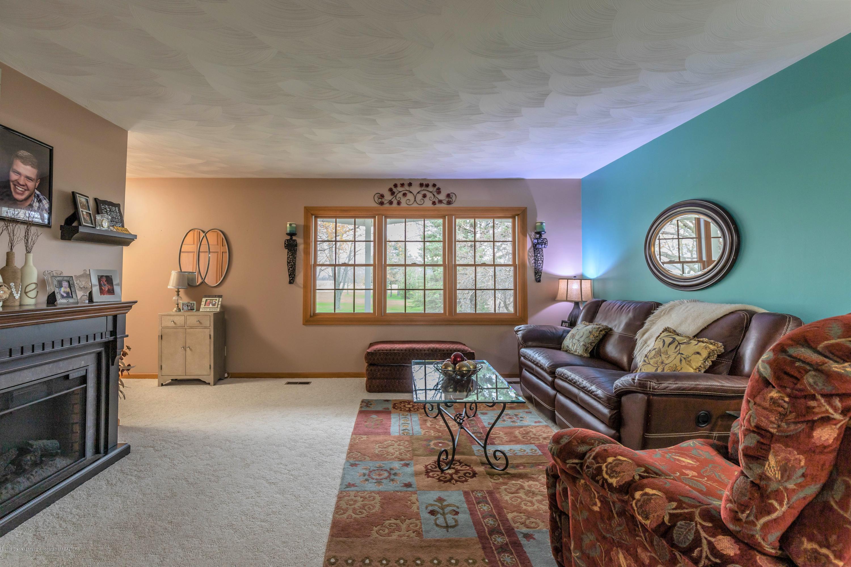 6465 W Maple Rapids Rd - Living room - 7