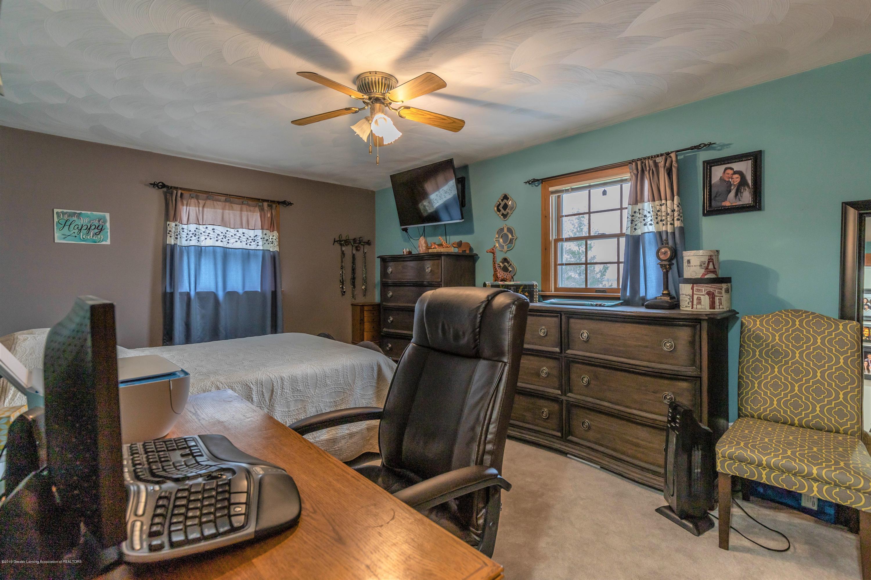 6465 W Maple Rapids Rd - Master bedroom - 18