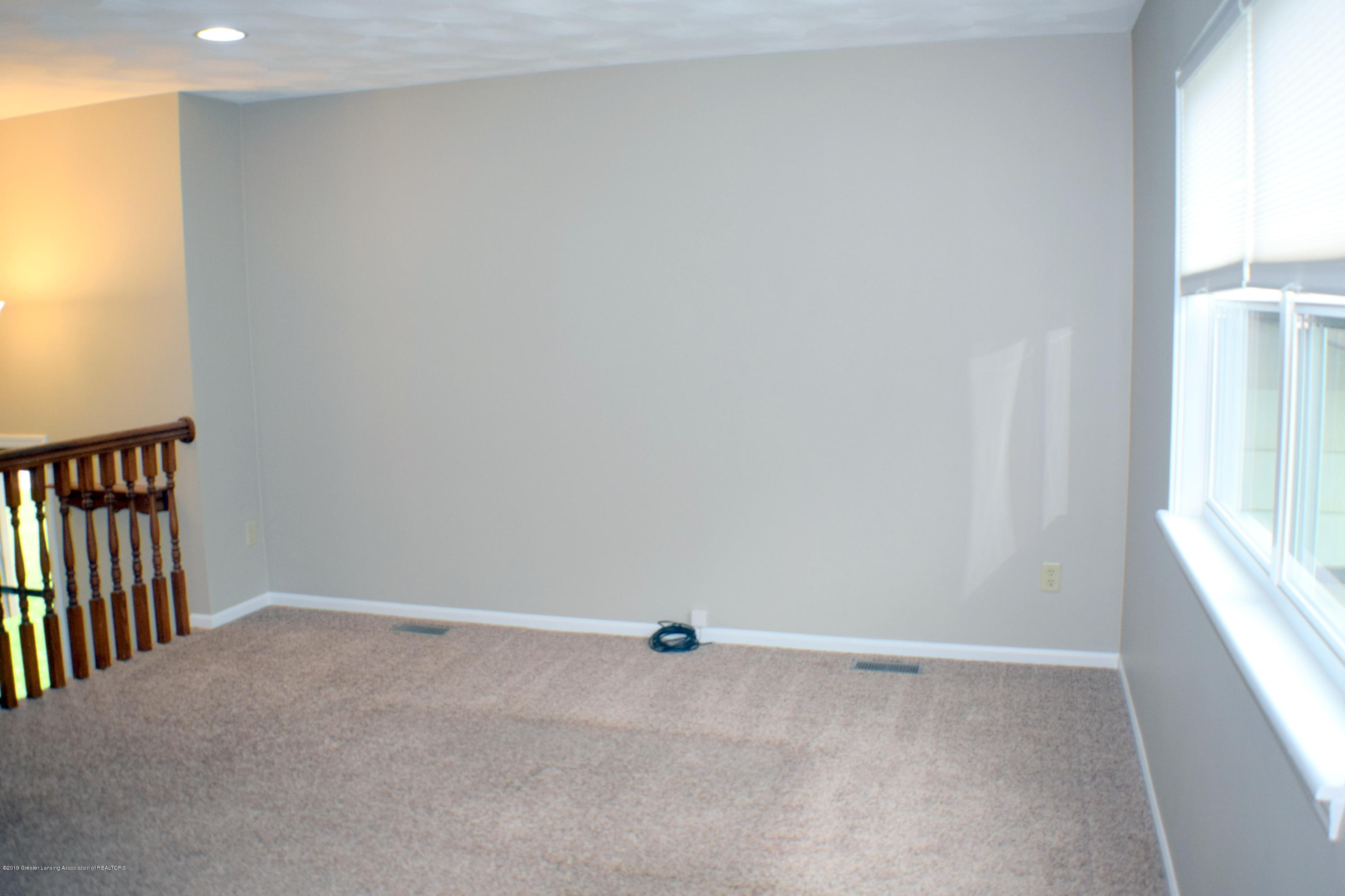 6020 Ellendale Dr - Living Room - 3