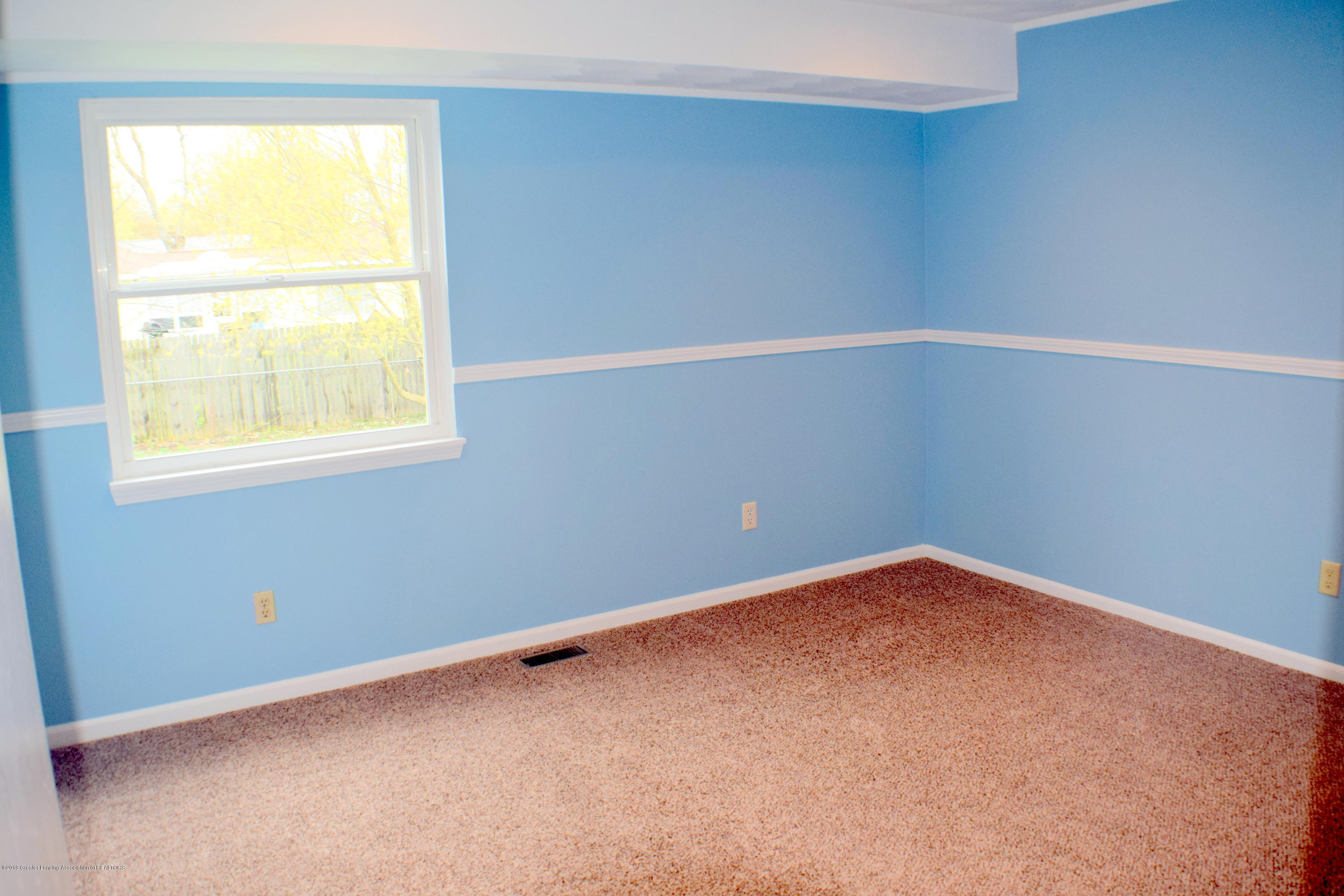 6020 Ellendale Dr - Bedroom 1 - 12