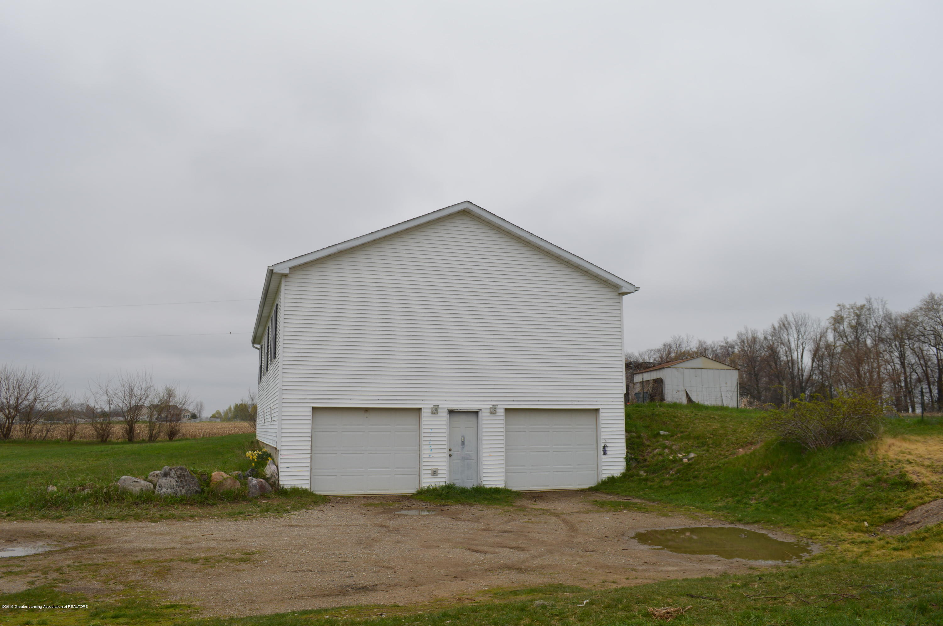 11651 McCreery Rd - garage - 6
