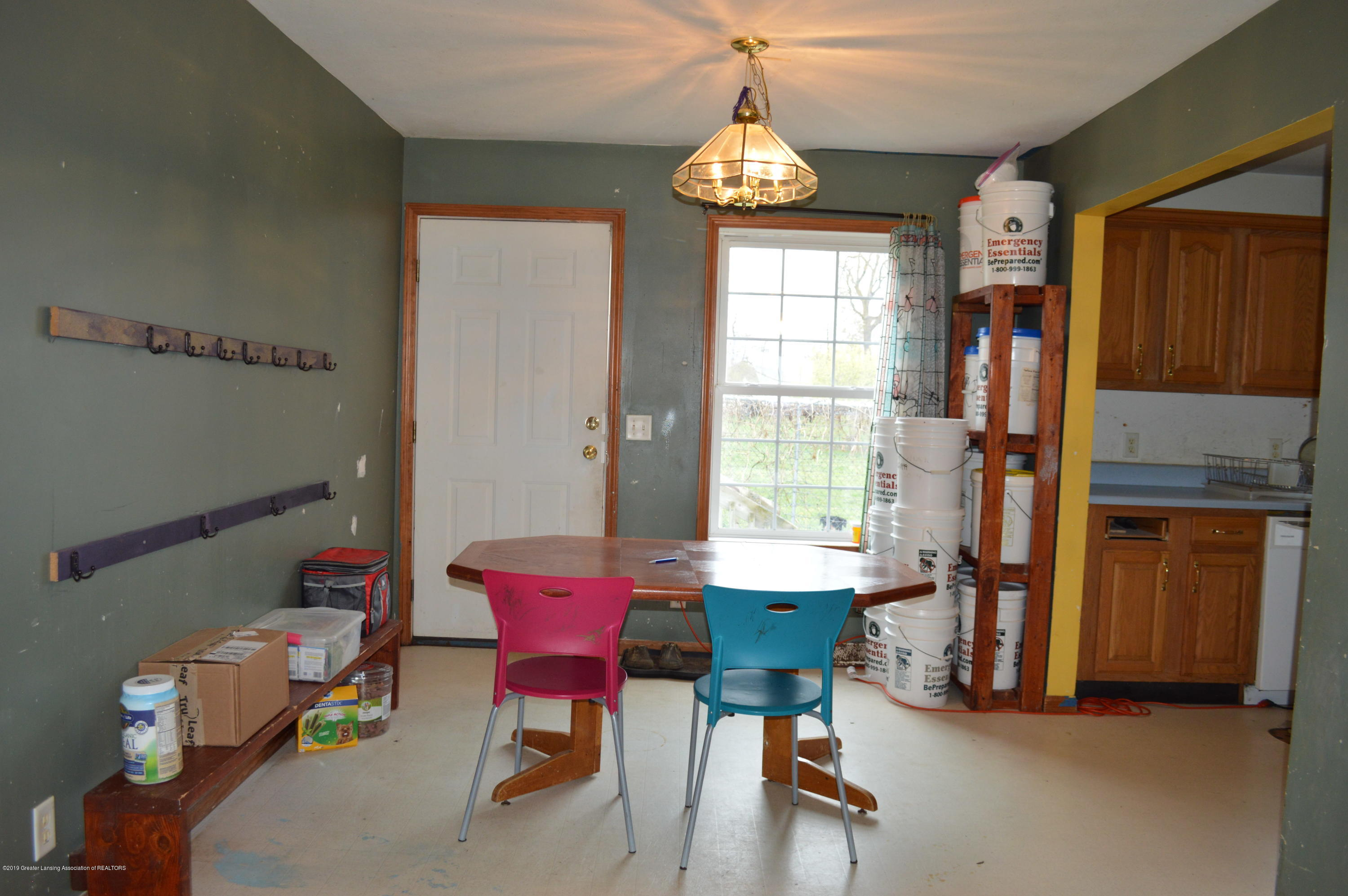 11651 McCreery Rd - dining area - 10