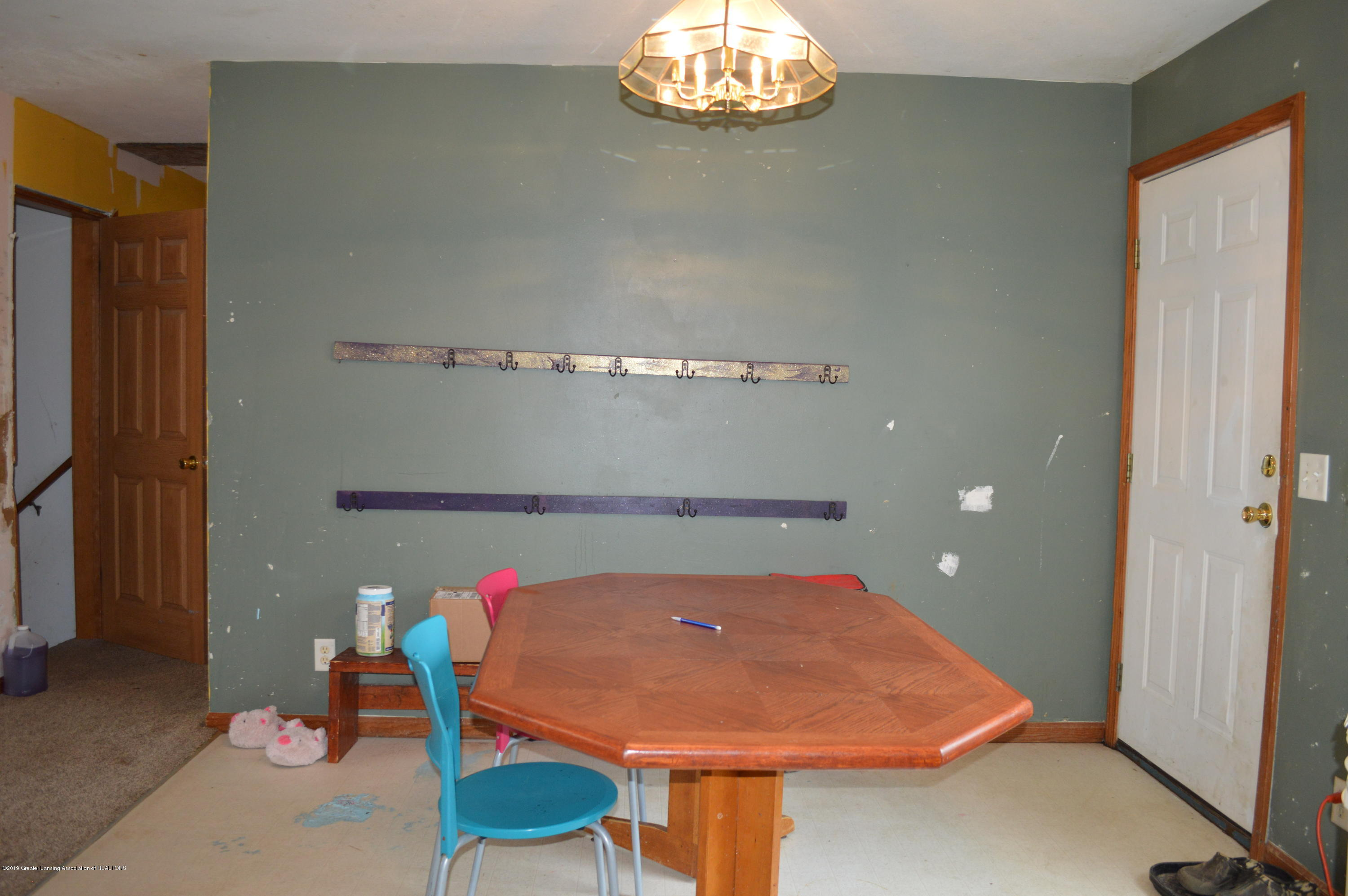 11651 McCreery Rd - Dining area - 11