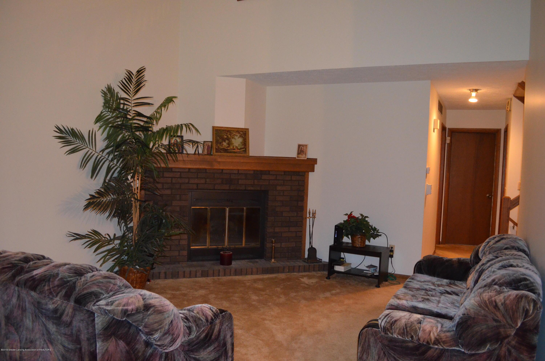 101 E Jolly Rd B8 - Livingroom - 3