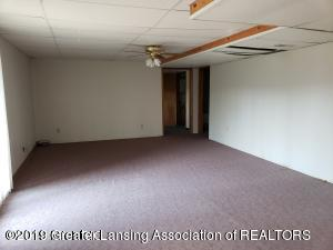 7200 E Emery Rd - Downstairs Living Room - 11