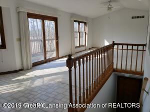 7200 E Emery Rd - Living Room - 2