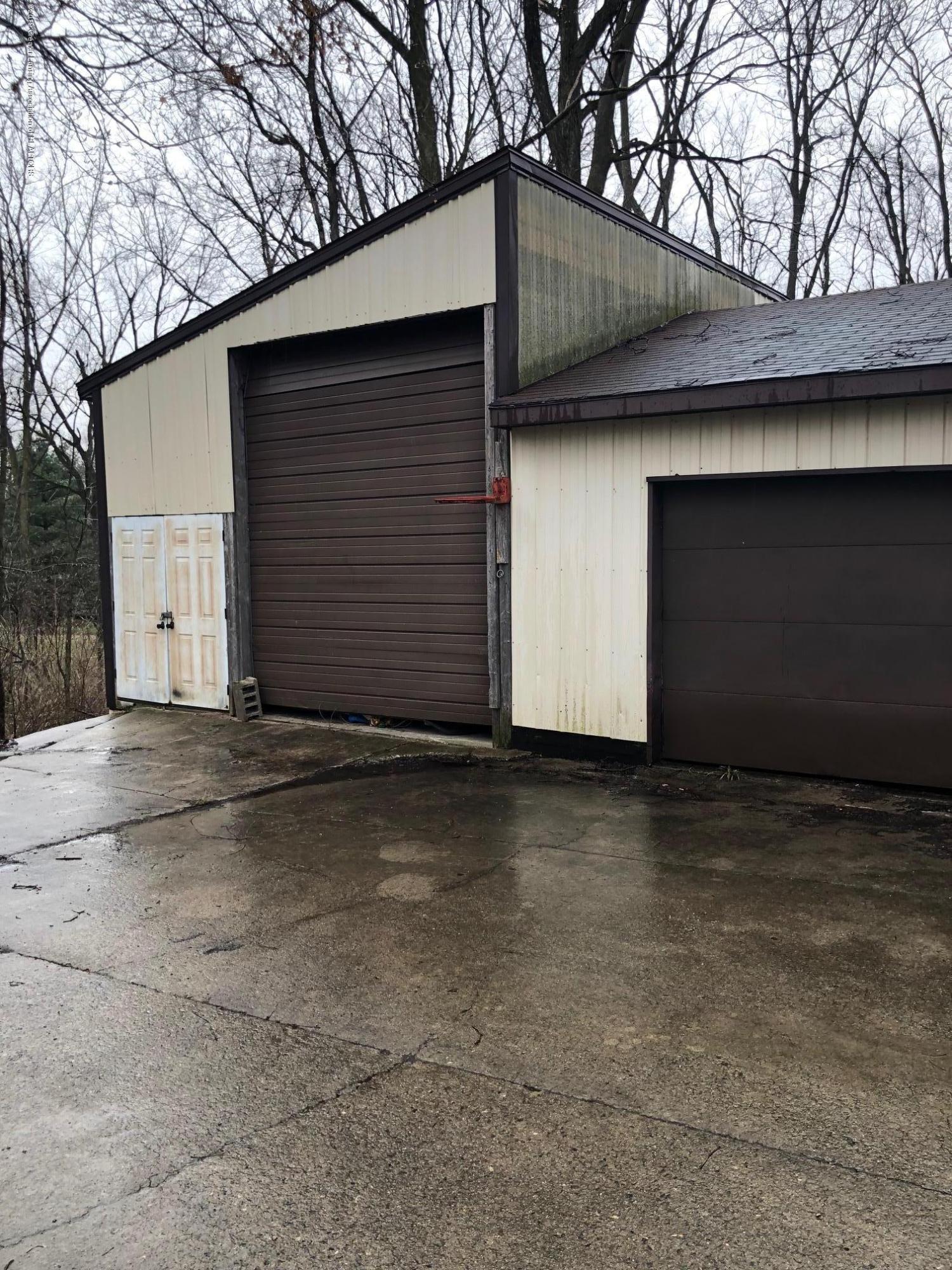 7200 E Emery Rd - Pole barn - 12