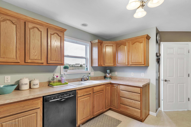 1328 Yarrow Dr - Kitchen - 8