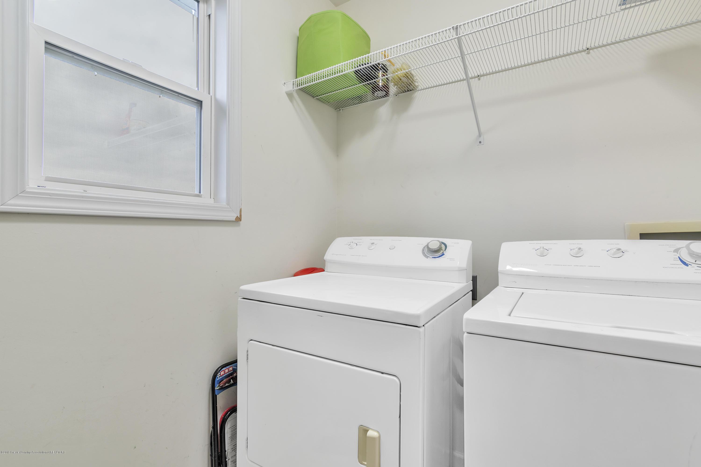 1328 Yarrow Dr - 1st Floor Laundry - 18