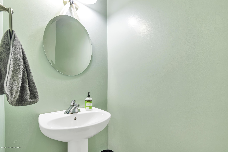 1328 Yarrow Dr - 1st Floor Half Bath - 19
