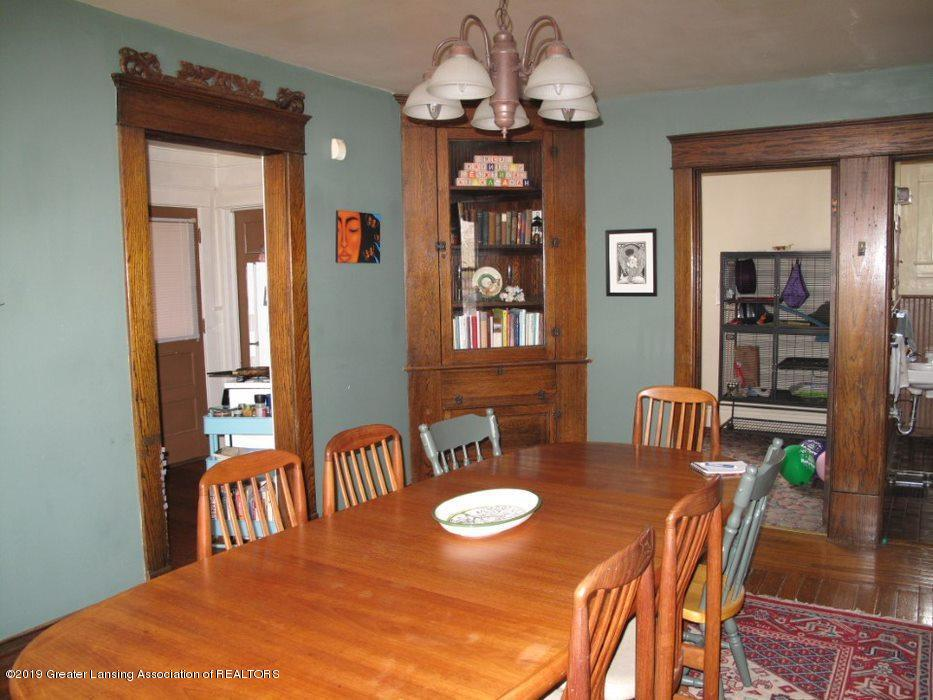 307 W Willow St - dining room - 7