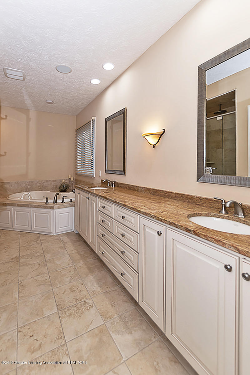 6149 Bridgewater Cir 49 - 6149 Bridgewater Master Bath - 22