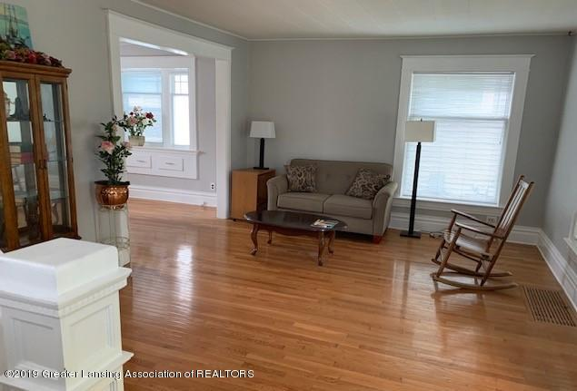 1218 Eureka St - Living Room - 13