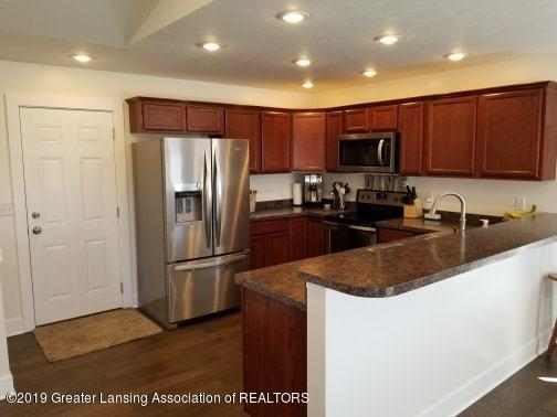 4935 Pine Hill Dr - Kitchen - 8