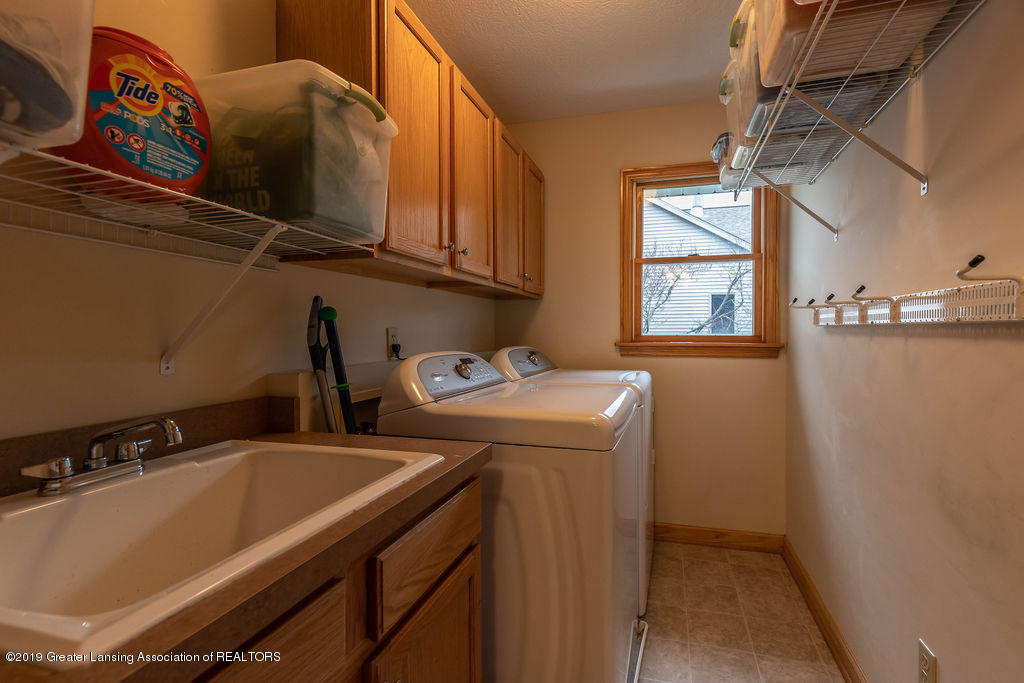 3150 Crofton Dr - First Floor Laundry - 18