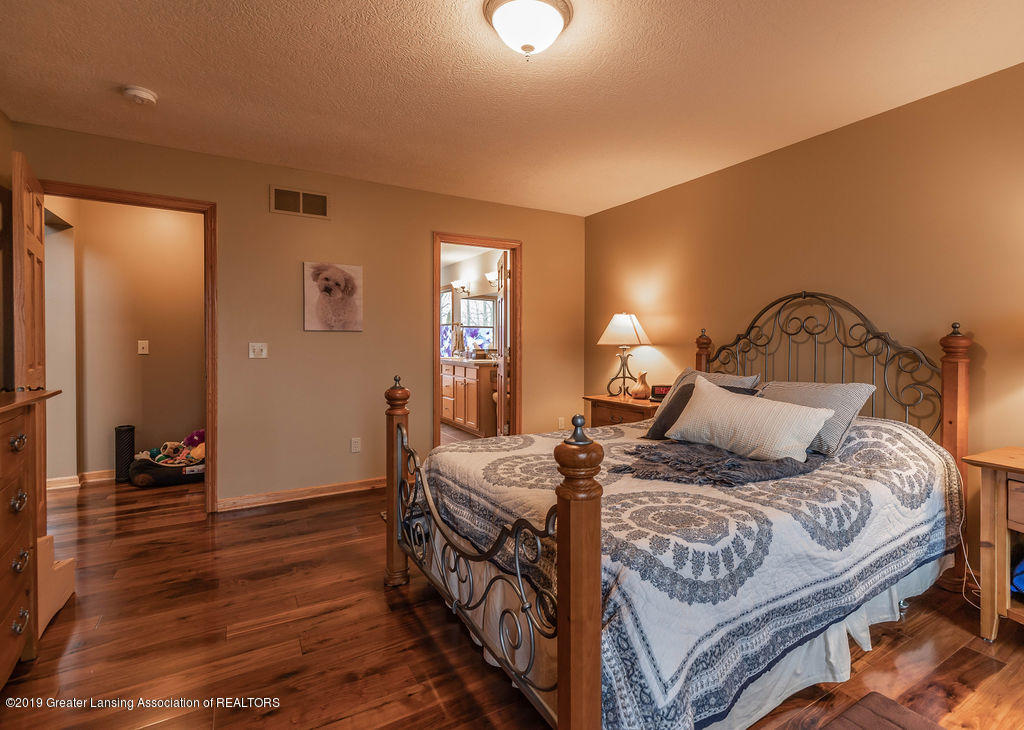 3150 Crofton Dr - First Floor Master Suite - 21