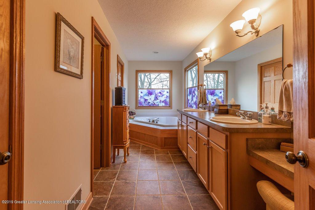 3150 Crofton Dr - First Floor Master Bathroom - 27