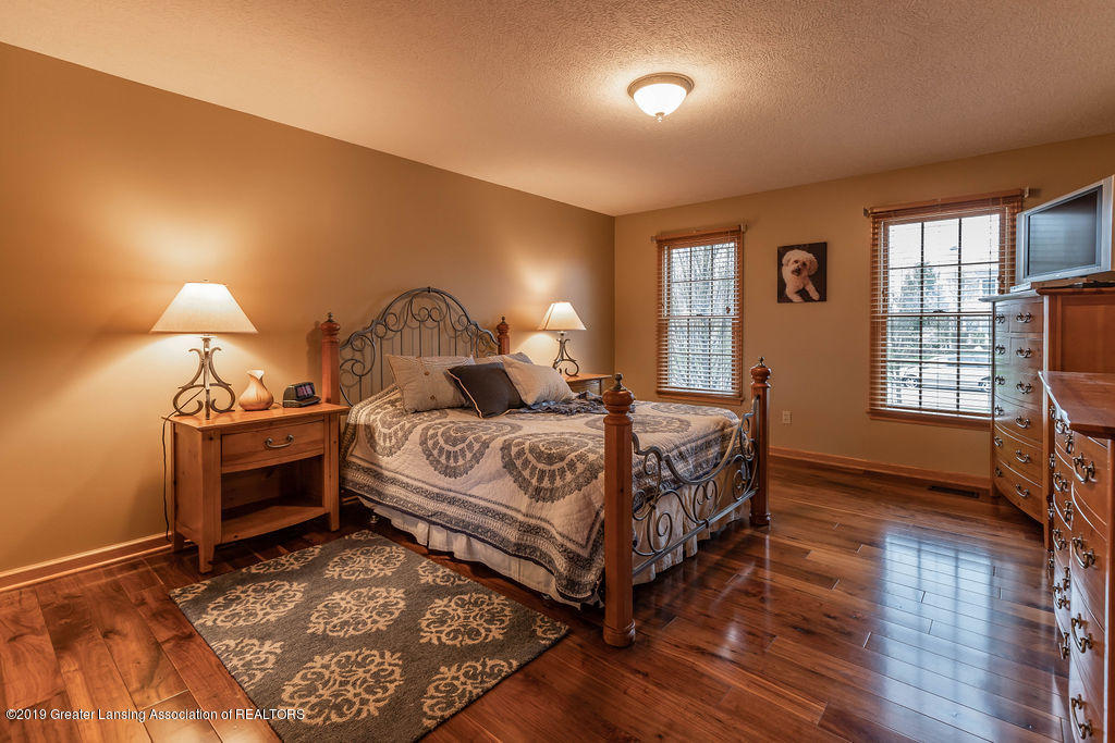 3150 Crofton Dr - First Floor Master Suite - 22