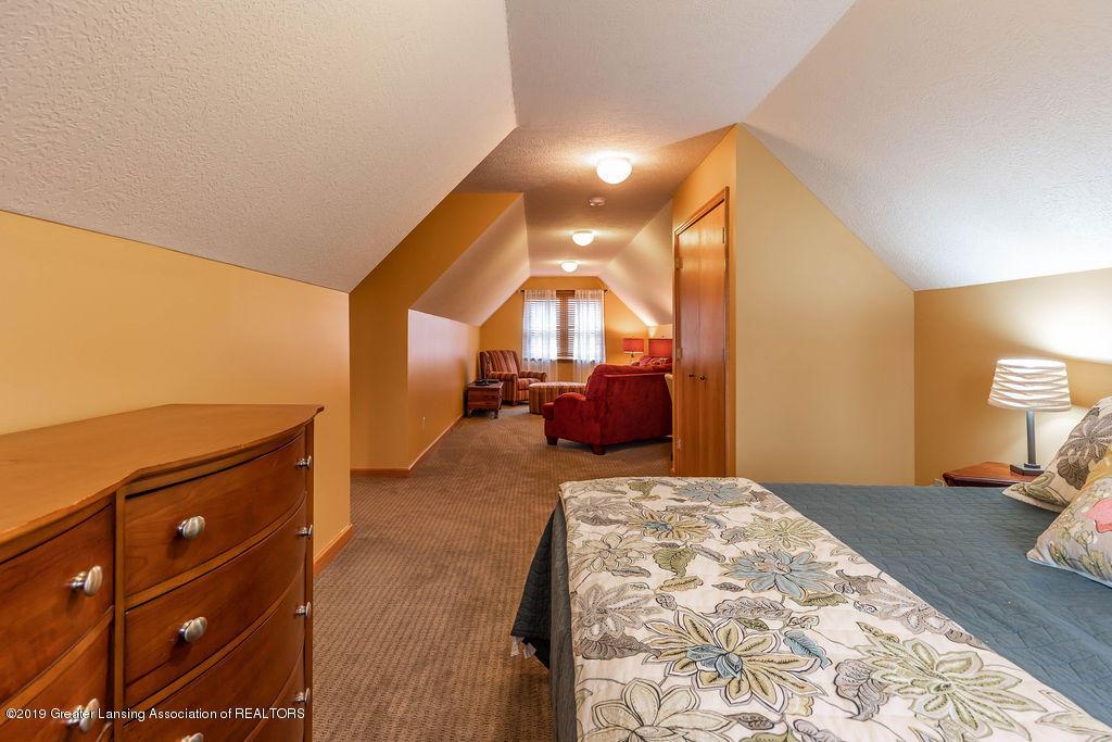 3150 Crofton Dr - 2nd Floor Bedroom Suite - 35